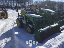 2001 John Deere 4100 Utility Tractors