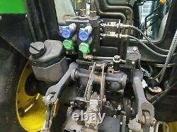 2002 John Deere 5520 4WD with JD loader