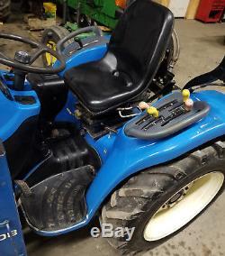 2002 New Holland TC25 Diesel 4x4 Tractor + Loader Hydrostatic TC29 TC24 TC30