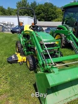 2010 John Deere 2305 Tractors