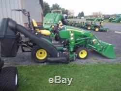 2011 John Deere 1026R Tractor Loaders