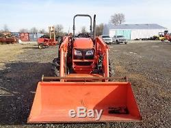 2013 Kubota M7060 Tractor with LA1154 Loader, 4WD, Hydraulic Shuttle, 496 hours