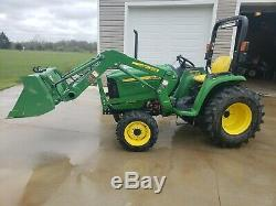 2014 John deere Compact Tractor 3032E with loader