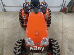 2014 Kubota B3300SU Tractor, 4WD, Hydro, R4 Tires, 133 Hours