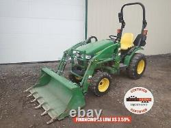 2015 JOHN DEERE 2025R TRACTOR With LOADER, 4X4, 3 PT, 540 PTO, HYDRO, 295 HRS