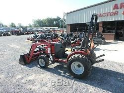 2015 Mahindra Max26xl Tractor & Loader! 4x4 Only 208 Hours