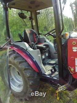 2018 Mahindra 2638 HST Compact Utility Tractor With Loader Excellent Condition
