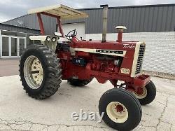 International Farmall 1206 farm tractor withROPS Case IH Iowa