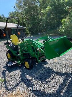 JOHN DEERE 1025R LOADER/Cart- 2018 With 80 HRS