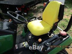 John Deere 1026R Tractor 4x4 Loader, New Quick Attach Bucket, 134 Hours