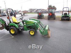 John Deere 2305 Tractor Loader Backhoe