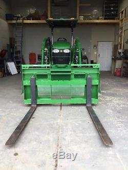 John Deere 4105 Compact Tractor 35 Hrs! No Emissions