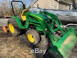John Deere 4105 tractor Loader