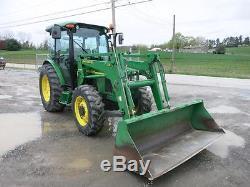 John Deere 5520 Tractor WithJD 541 Loader, Cab, AC/Heat, 4x4, 89 HP Diesel, NICE