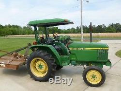 John Deere 870 tractor all original plus roof canopy 9 speed. Runs excellent