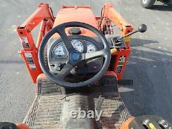 KUBOTA B3030 TRACTOR With LOADER, 4X4, HYDRO, 30 HP DIESEL PRE EMISSIONS, 59 HOURS