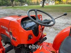 KUBOTA L3301 Compact Farm tractor with LA525 Loader 4X4 DIESEL QUICK ATTACH