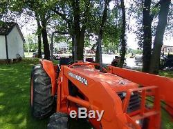 KUBOTA M6800 UTILITY SPECIAL COMPACT TRACTOR With LOADER. 895 HRS! 4X4. RUNS GREAT