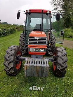 KUBOTA M9000 DTC 4WD TRACTOR with CAB A/C HEAT STEREO