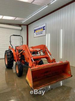 KUBOTA MX5000 2WD WITH LA852 LOADER With QUICK ATTACH BUCKET
