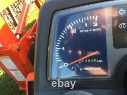 Kubota B2100 Tractor