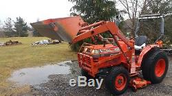 Kubota L2550 4X4 with front Loader and mid 60 inch mower