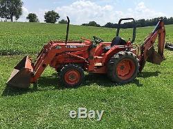 Kubota L2950 4WD Tractor & Loader with Backhoe