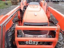 Kubota L3130 Tractor, 4WD, Shuttle Shift, Woods front loader, 638 Hours