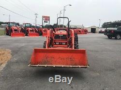 Kubota M4900 tractor