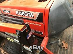 Kubota b1700 Compact Tractor with AIL 1547 Front End Loader