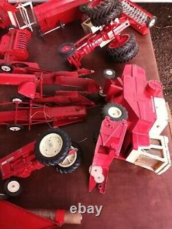 Large Lot Ertl Tru Scale Farm Tractors And Accessories