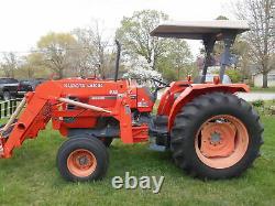M6800 Kubota Tractor withLA1002 Kubota Loader