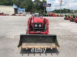 Massey Ferguson 1532 tractor