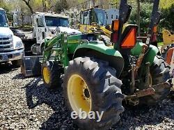 Tractor John Deere 4720 withloader 886hours